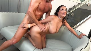 MILF screams with younger inches devouring her experienced cunt